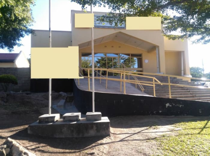 215 m² commercial office for sale in Itezhi-Tezhi (Zambia)