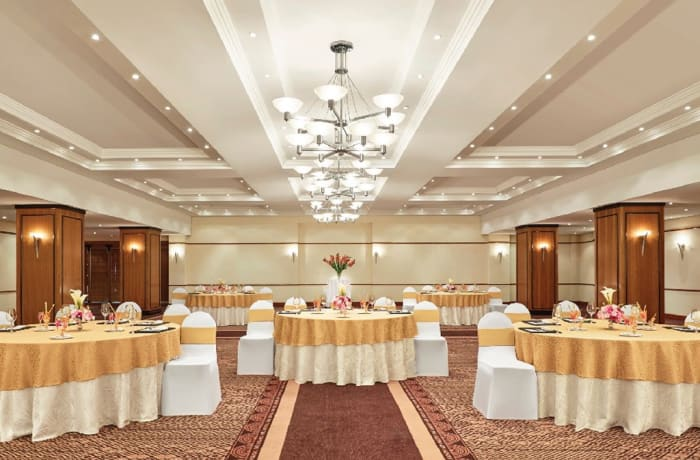 Amalila Hall is a superb venue for a grand wedding or sumptuous gala evening