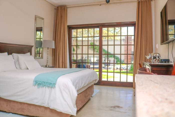 Self-catering apartments - Save money, have more freedom, space and privacy