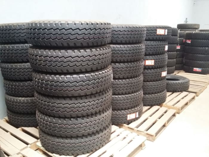 All-position truck tyre Powertrac