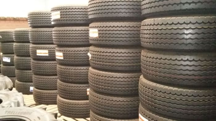 385/65/22.5 Super single truck tyres on promotion