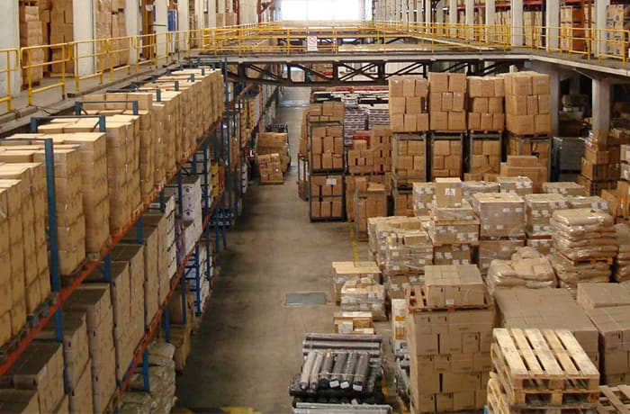 Distributes products to enterprises of all sizes