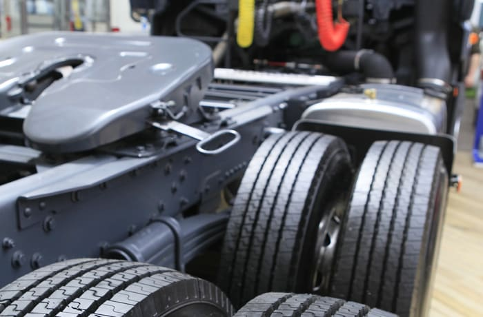 Replace your commercial vehicle's worn out tyres