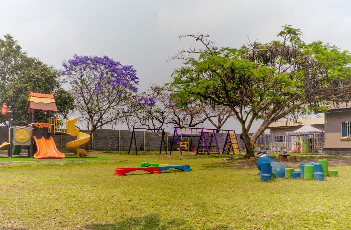 Outdoor space provides an effective free-flow learning environment