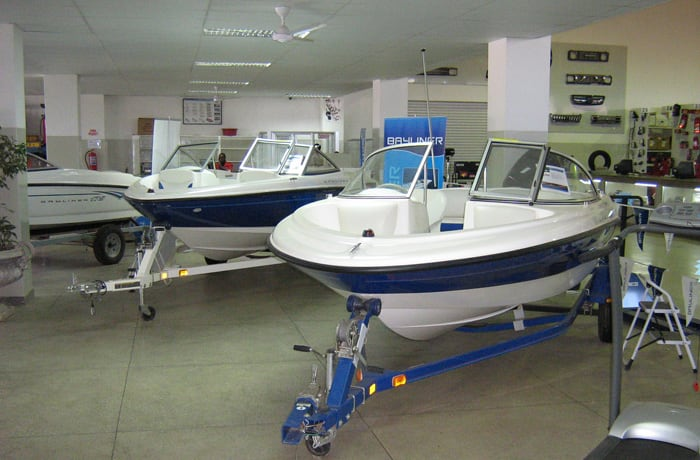 Specialist Autoworld marine department