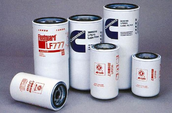 Fleetguard filters for truck and bus engines