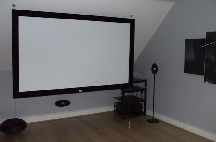 Supplies quality projectors and screens
