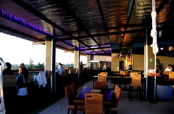 Casual dining restaurant