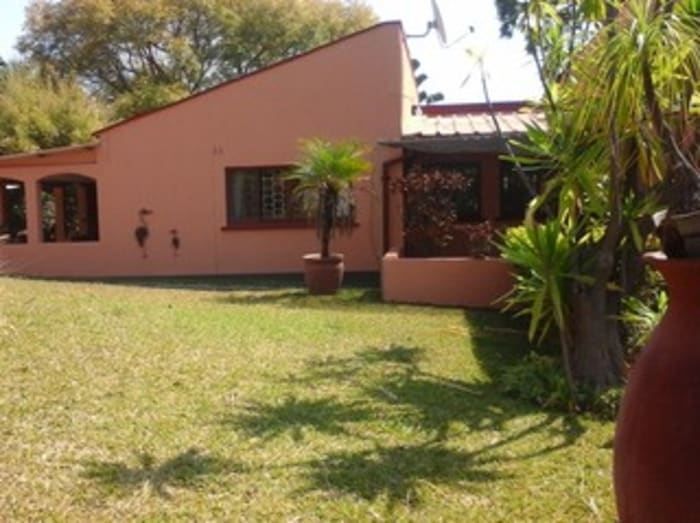4 Bedroom house to let in Roma