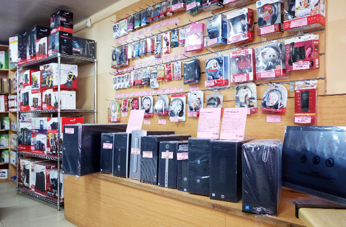 Showroom and sales counter offers customers unrivalled product availability and choice