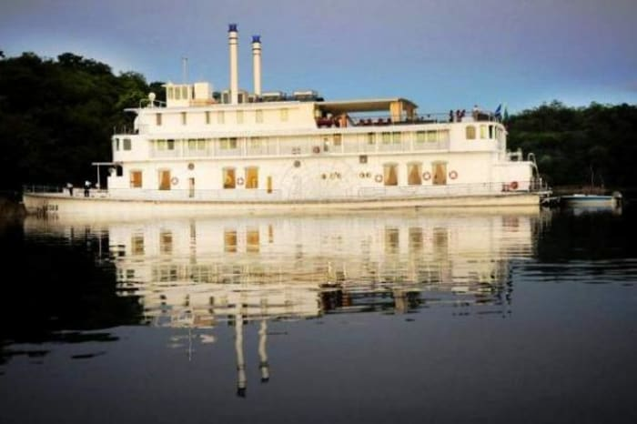 Spend Easter on the Southern Belle Houseboat in Lake Kariba