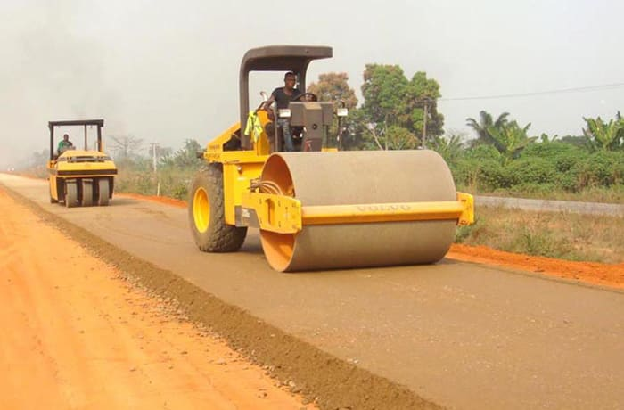 Offers a comprehensive range of general professional earthwork services,