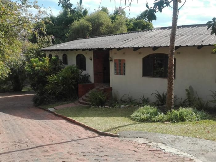 4 Bedroom freestanding to let in Roma