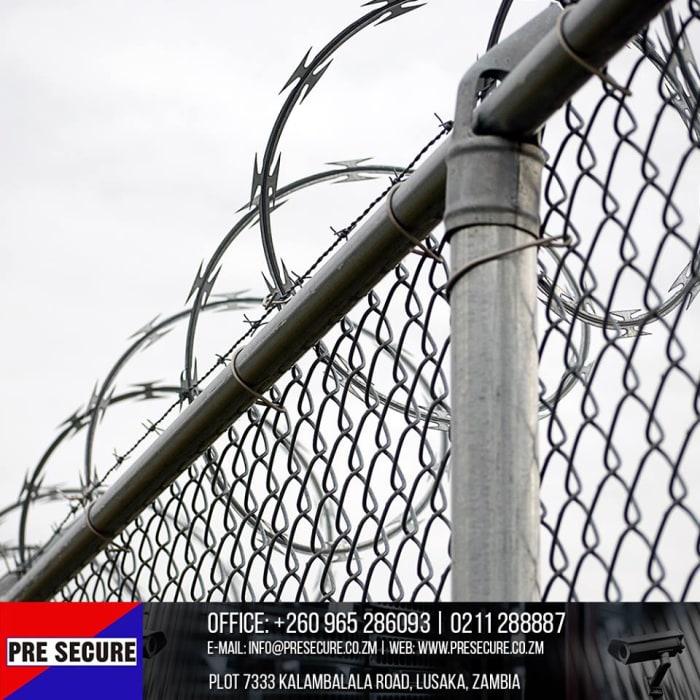 Razor and electric fences installation