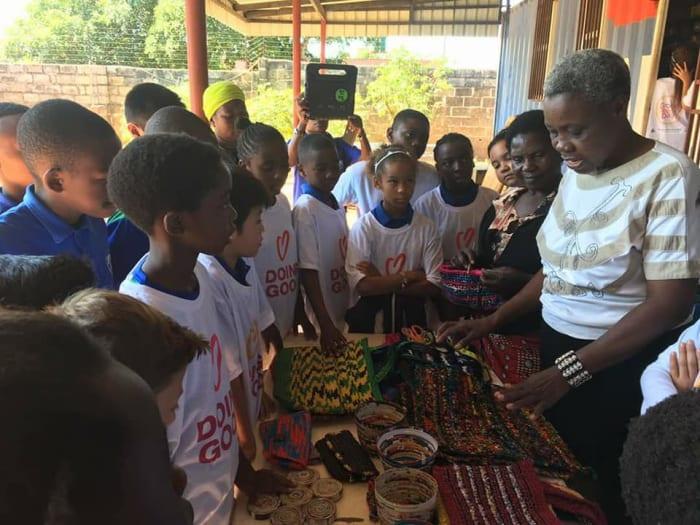 Students help Recyclocraftz women's project