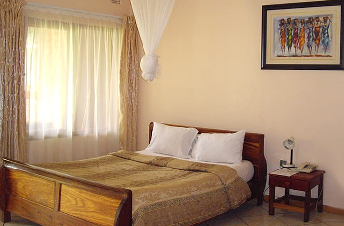 A range of spacious en-suite rooms and two fully-furnished apartments