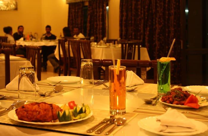 Mahak Restaurant & Lodge