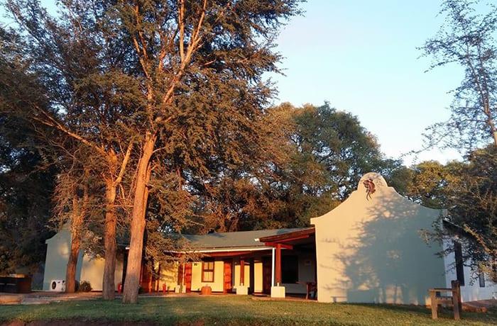 Thorn Tree House Livingstone image