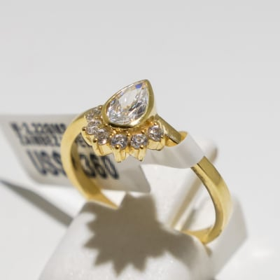 Engagement yellow gold and pear + 5 diamonds ring image