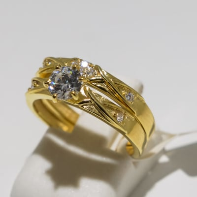 Wedding set yellow gold 9k two band crystal ring image