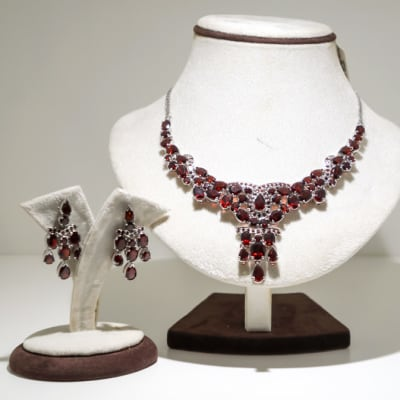 Silver pear garnet gem earring and necklace set image