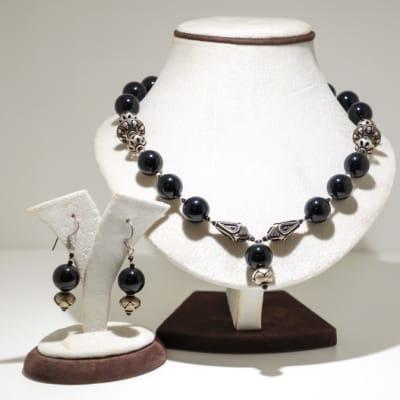 Black onyx gem earring and necklace set image