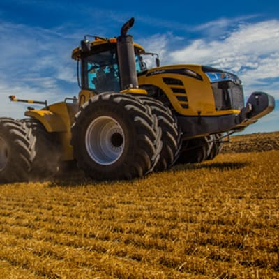 Challenger MT900E LRC Tractor image
