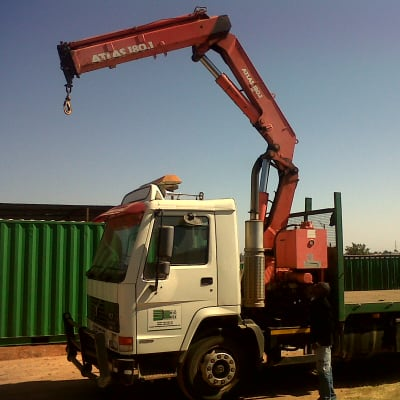Container Loading and Offloading image