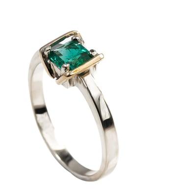 White Gold Emerald  Bracket Ring image