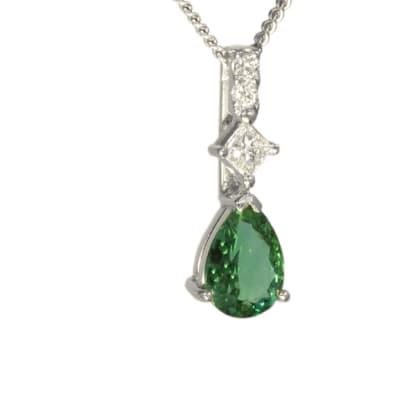 White Gold Emerald & Diamonds  Pendant Lisbon image