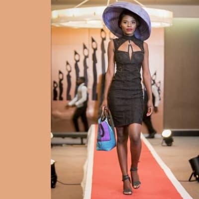 Black body contour dress sleeveless shoulder image