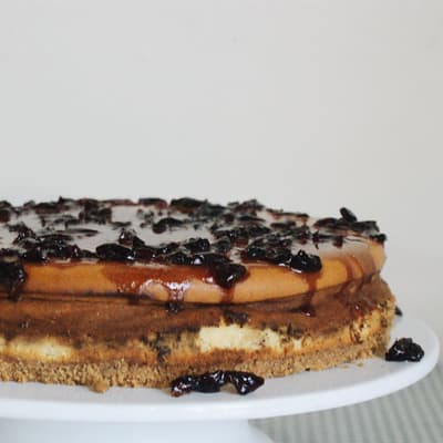 Vanilla Cheesecake with Black Cherry image