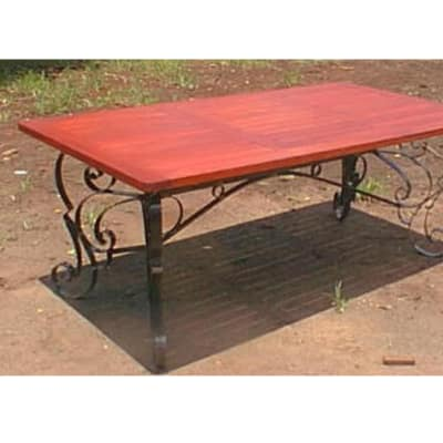 Dining table 8-seater steel trim image