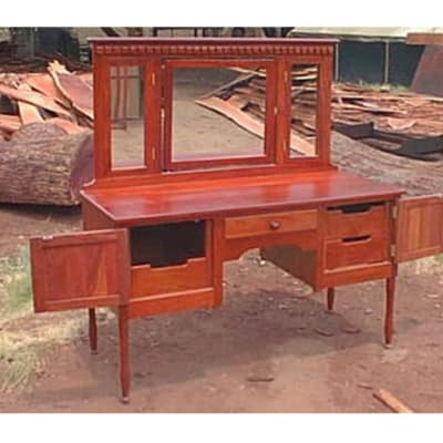 Dressing table Perfect woman's dressing table image
