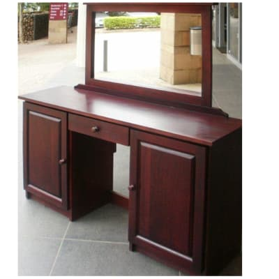 Dressing table with fixed mirror image