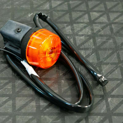 Suzuki DR200 Motorbike - Indicator Lamp  image