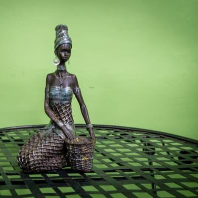 Sandy's Creations - Bronze Girl-Weave Sitting image
