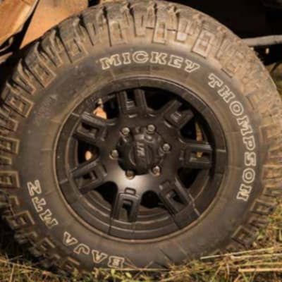 Off-road tyres and rims image