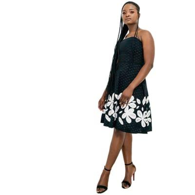 Summer sleeveless dress - White and black dress flowery image