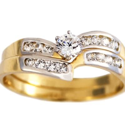 Swirl Princess Cut Gold Wedding Ring image