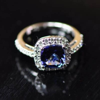 Tanzanite Square Ring White Gold surrounded by Diamonds image