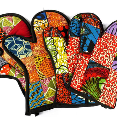 Oven gloves in African print image