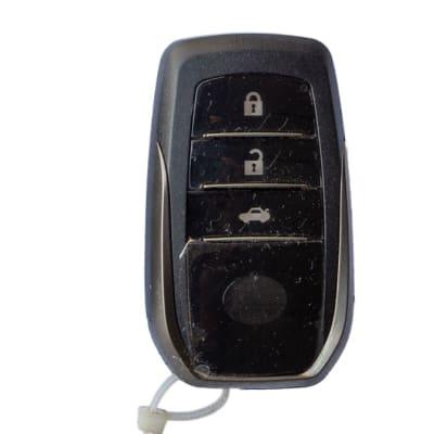 Toyota smart key (Hilux - Fortuner) (2) image
