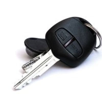 Car key cutting image