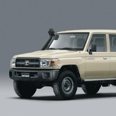 Toyota Land Cruiser 76 image