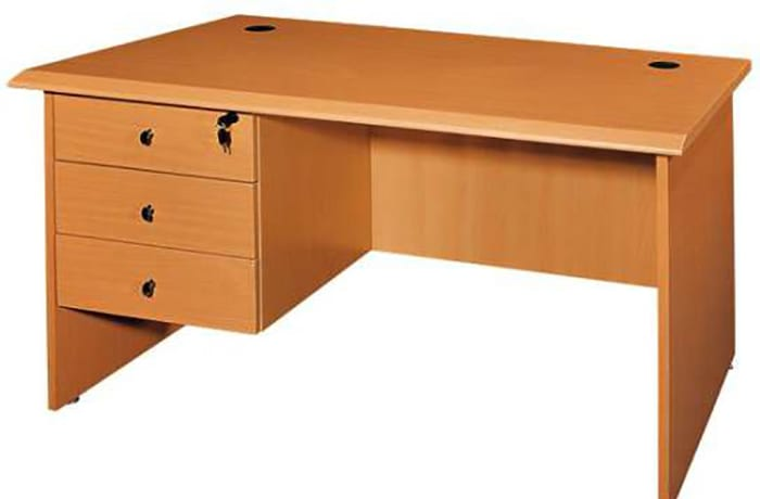 1.6 Metre Managerial Desk with fixed Drawers