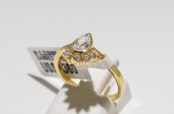 Engagement yellow gold 9k, pear diamond and 6-stone diamond ring