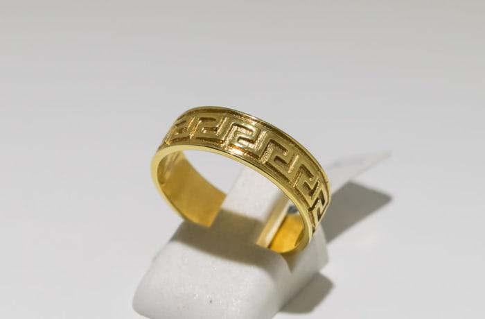 Men's wedding band yellow gold 9k ring with Roman pattern