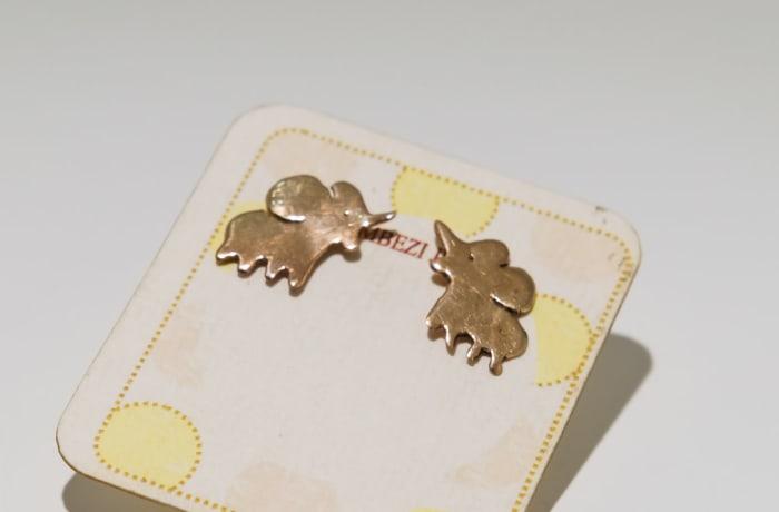 Silver earring elephant stud