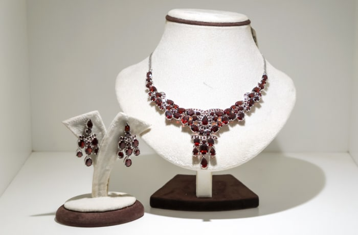 Silver pear garnet gem earring and necklace set